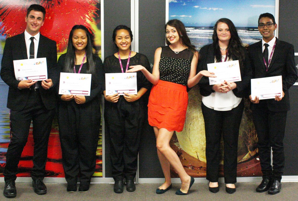 2015 scholarship winners, from left to right: Tobius Charnley, Falestina Kaiaruna, Anita Kaiaruna, ITC tutor Alison Rigby, Tracy Stewart and Alex Murti
